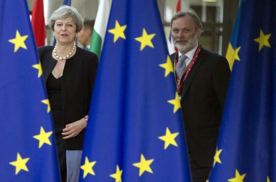 Євроскептики висунули Мей ультиматум стосовно угоди про Brexit - Times