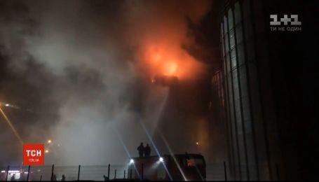 На Львівщині сталася масштабна пожежа на заводі з виробництва олії
