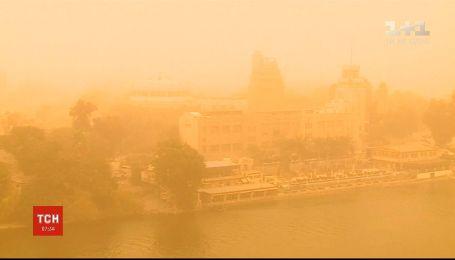 Мощная песчаная буря налетела на Египет
