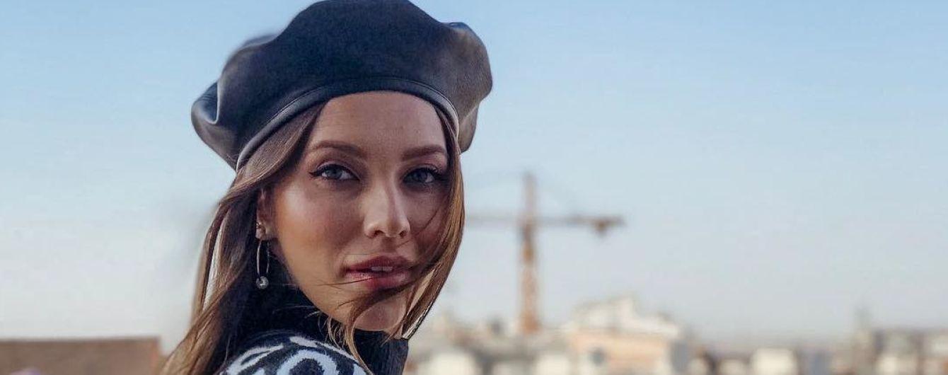 Стильная Регина Тодоренко с мамой прогулялась с сыночком в аскетической коляске