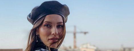 Стильна Регіна Тодоренко з мамою прогулялася із синочком в аскетичному візочку