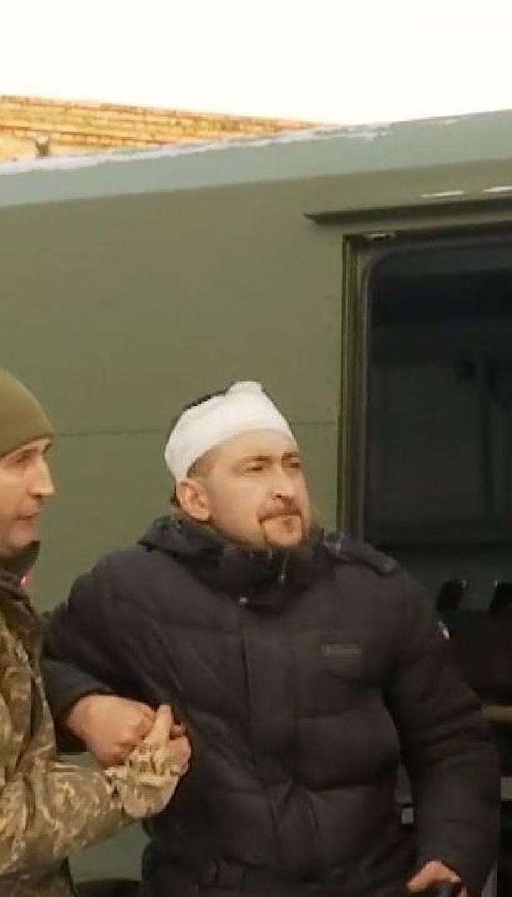 Бійці, які постраждали під час обстрілу бойовиками вантажівки, перебувають у шпиталях