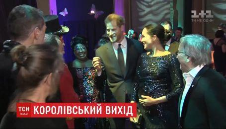 """Принц Гарри и Меган Маркл посетили благотворительную премьеру в цирке """"Дю Солей"""""""