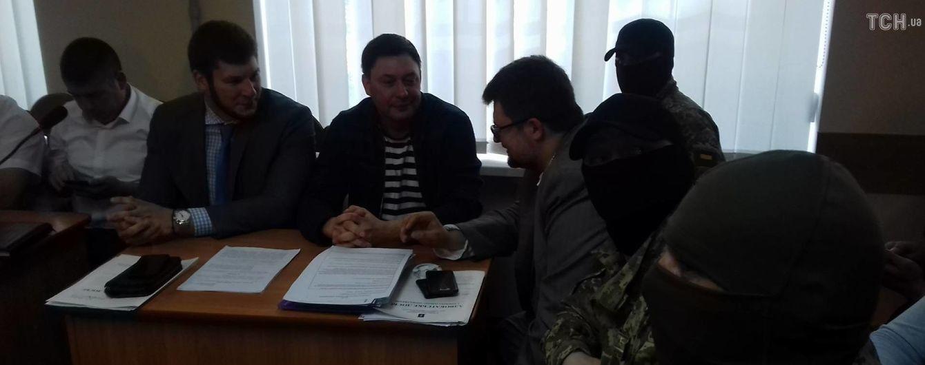 """Керівнику """"РИА Новости-Украина"""" подовжили перебування під арештом"""