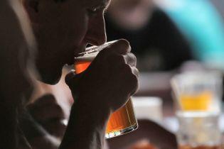 """Возле """"Олимпийского"""" запретили продавать алкоголь и сигареты"""