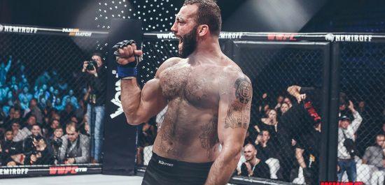 Український боєць підписав контракт з UFC
