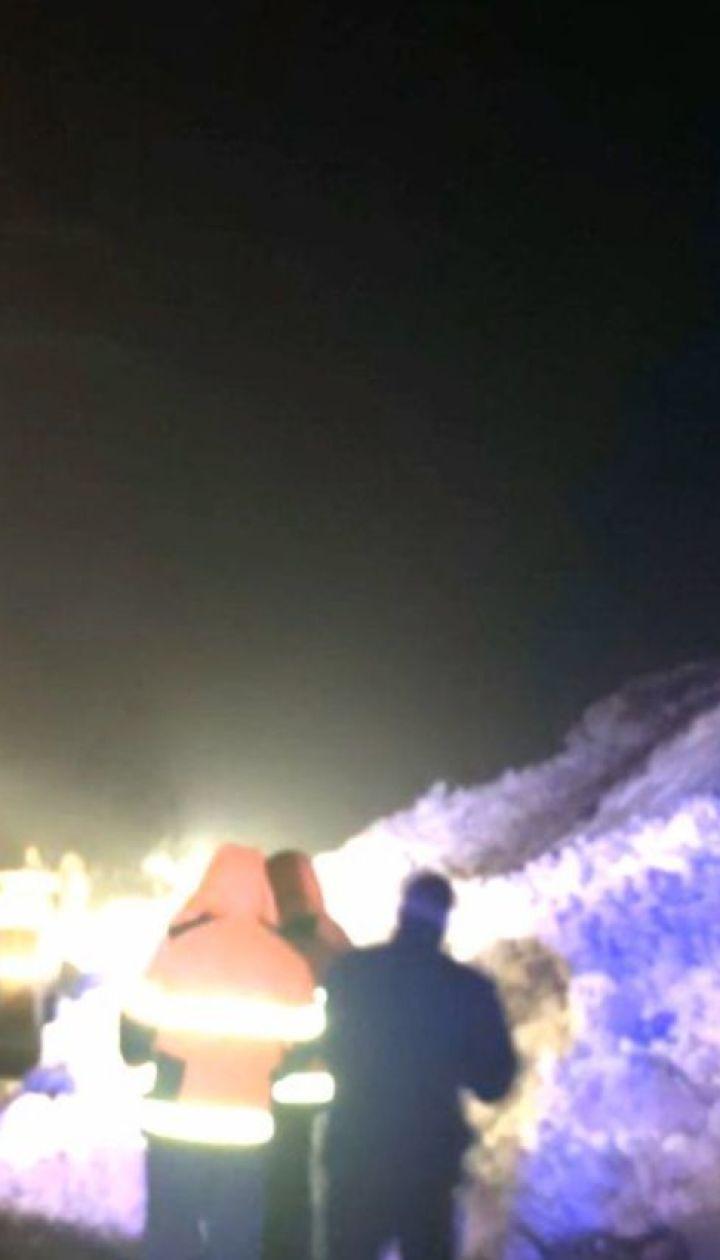 На Закарпатье сошли две лавины