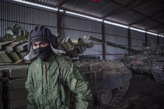 """На блокпосту біля Станиці Луганської бойовик """"ЛНР"""" руками і ногами побив цивільного – ОБСЄ"""