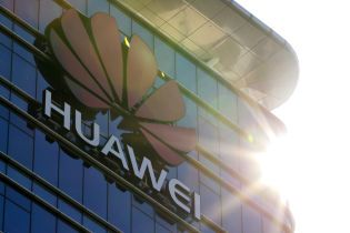 Справа Huawei: Пекін відмовився від зустрічі очільників МЗС Китаю та Чехії
