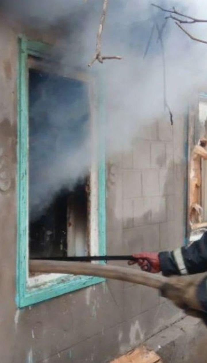 На Запоріжжі матір загиблих у пожежі дітей вкоротила собі віку