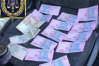 У Вінниці на хабарі спіймали офіцера поліції
