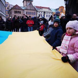 """У Празі українці утворили великий """"живий ланцюг єдності"""" до Дня соборності України"""