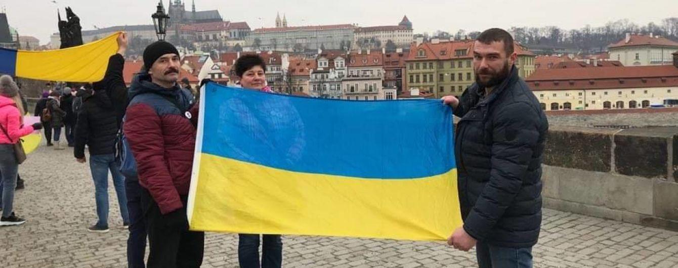 Українці стали лідерами в нелегальній роботі у Чехії. Чому так і чим загрожує