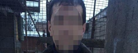 В Киеве прохожий получил пулю, когда решил защитить женщину во время семейной ссоры на улице
