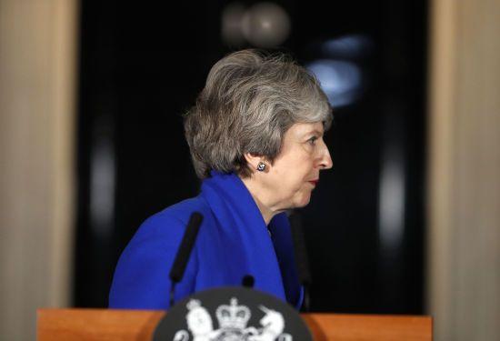 Мей заявила про прогрес на переговорах з Юнкером про Brexit
