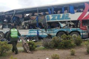 В Боливии перевернулся автобус с футболистами, погибли 13 человек