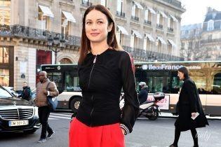 Яскрава і весела: Ольга Куриленко в об'єктивах паризьких папараці