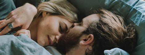 Ученые выяснили, как наличие партнера в кровати влияет на сон