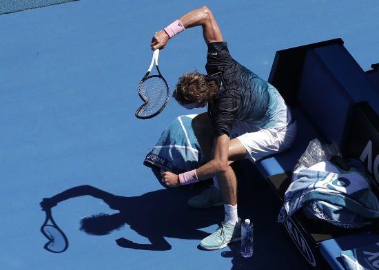 Німецький тенісист вщент розтрощив ракетку і налякав болл-боя на Australian Open
