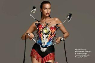 В эффектных боди и на каблуках: Ирина Шейк позировала в новом фотосете