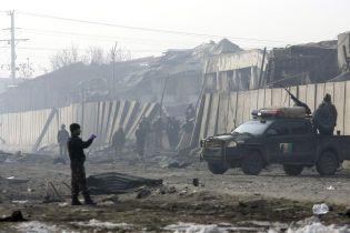Во время нападения талибов на военную базу в Афганистане погибли 120 человек