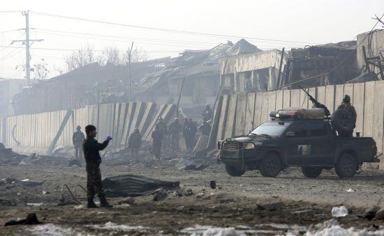 """Мирний процес в Афганістані на межі зриву: США завдали авіаудар по бойовикам """"Талібану"""""""