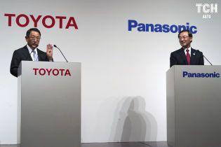 Toyota та Panasonic готуються до агресивного виробництва батарей