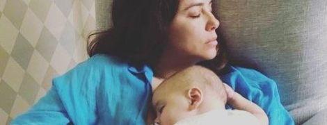 Какие нежности: Ева Лонгория поделилась милым фото с сыном