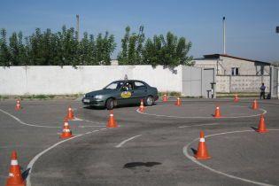 Экзамены по вождению при получении прав будут записывать сразу четыре видеокамеры