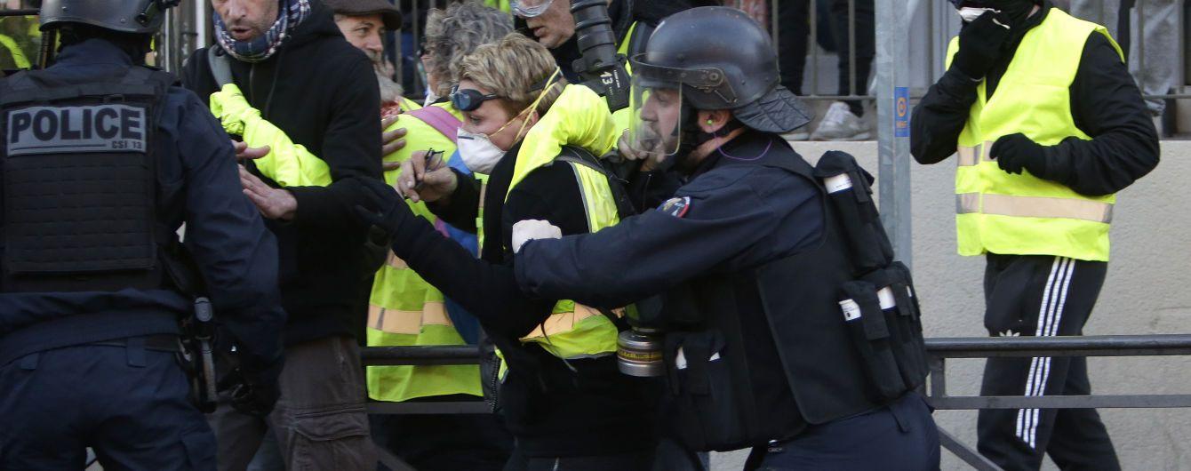 Макрон нагадав про долю Людовика XVI і хоче продовжити реформи всупереч протестам