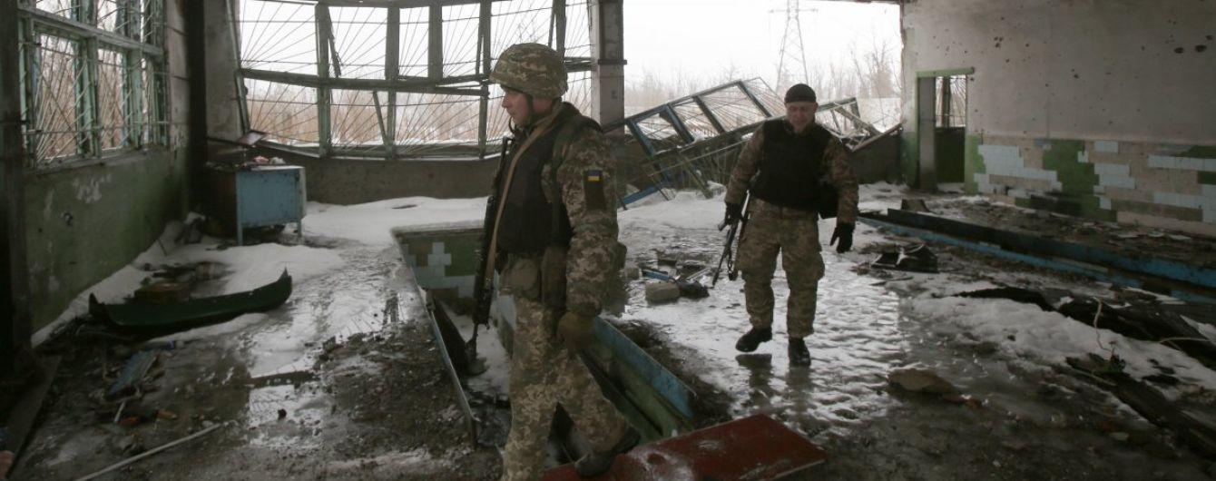 Террористы 5 раз обстреливали позиции украинских защитников, ранен боец ООС