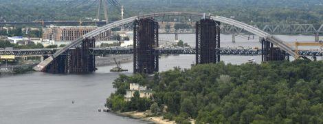 Метро на Виноградарь и мост на Троещину под угрозой, у Киева хотят забрать 4 млрд – КГГА