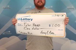 Як у переможця: американець виграв один долар і захотів для нього величезний чек