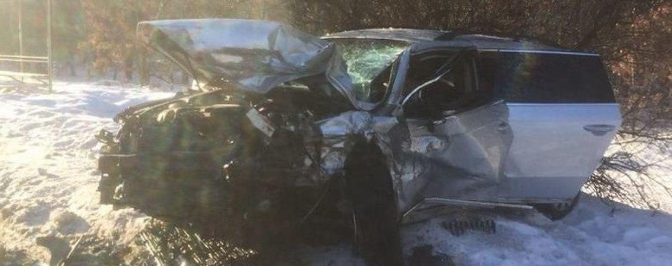 На окраине Киева лоб в лоб столкнулись две легковушки, трое погибших
