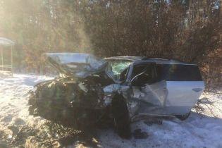 На околиці Києва лоб у лоб зіткнулись два легковики, троє загиблих