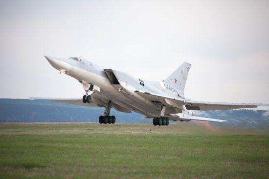 Міноборони РФ назвало причину падіння бомбардувальника Ту-22М3