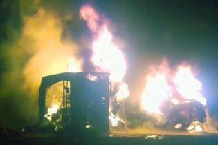 В Пакистане столкнулись автобус с автоцистерной. В аварии погибли несколько десятков человек
