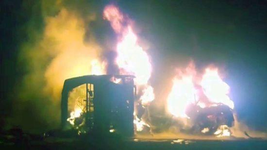 У Пакистані зіткнулися автобус з автоцистерною. В аварії загинули кілька десятків людей