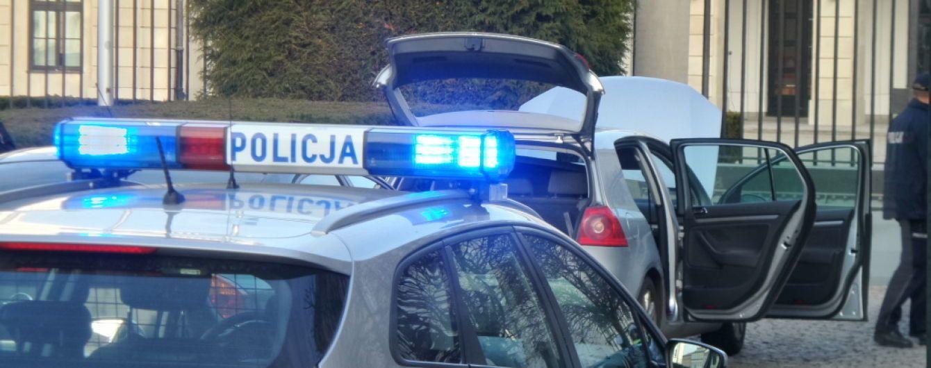 У Варшаві водій намагався протаранити ворота президентського палацу