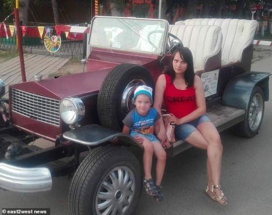 У Росії чоловік забив жінку ножем до смерті на очах у її 4-річного сина
