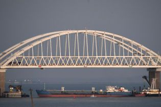 Окупанти запустили Керченським мостом перший потяг із анексованого Криму до РФ