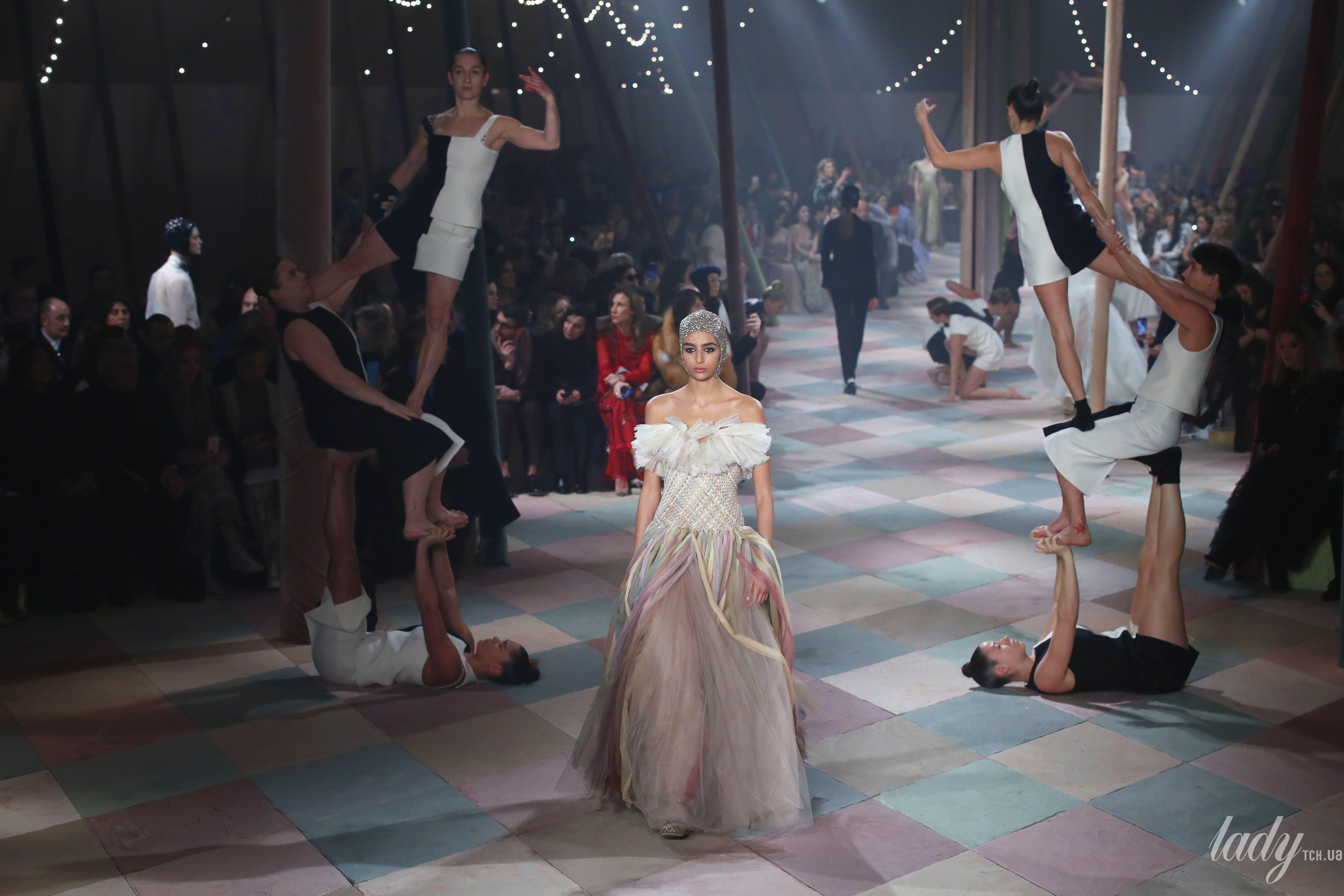 Коллекция Christian Dior Couture весна-лето 2019_1