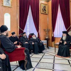 Патриарх Иерусалимский встретился с представителями УПЦ МП на следующий день после отмененной встречи с Порошенко