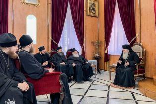 Патріарх Єрусалимський зустрівся з представниками УПЦ МП наступного дня після скасованої зустрічі з Порошенком