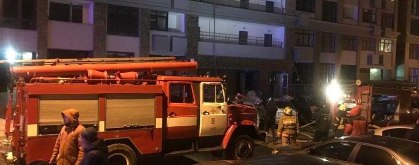 На столичном Печерске горела многоэтажка: было задымлено 11 этажей