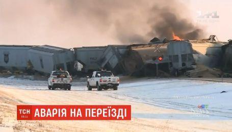 В Канаде сошел с рельсов и загорелся товарный поезд