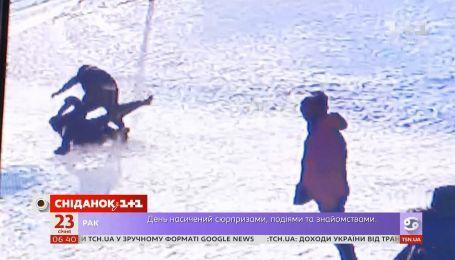В Киеве разгорелся громкий скандал из-за избиения учителя в школе