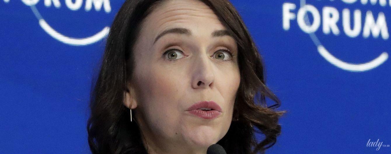 У стьобаному жакеті і з гарним макіяжем: прем'єр-міністр Нової Зеландії на економічному форумі