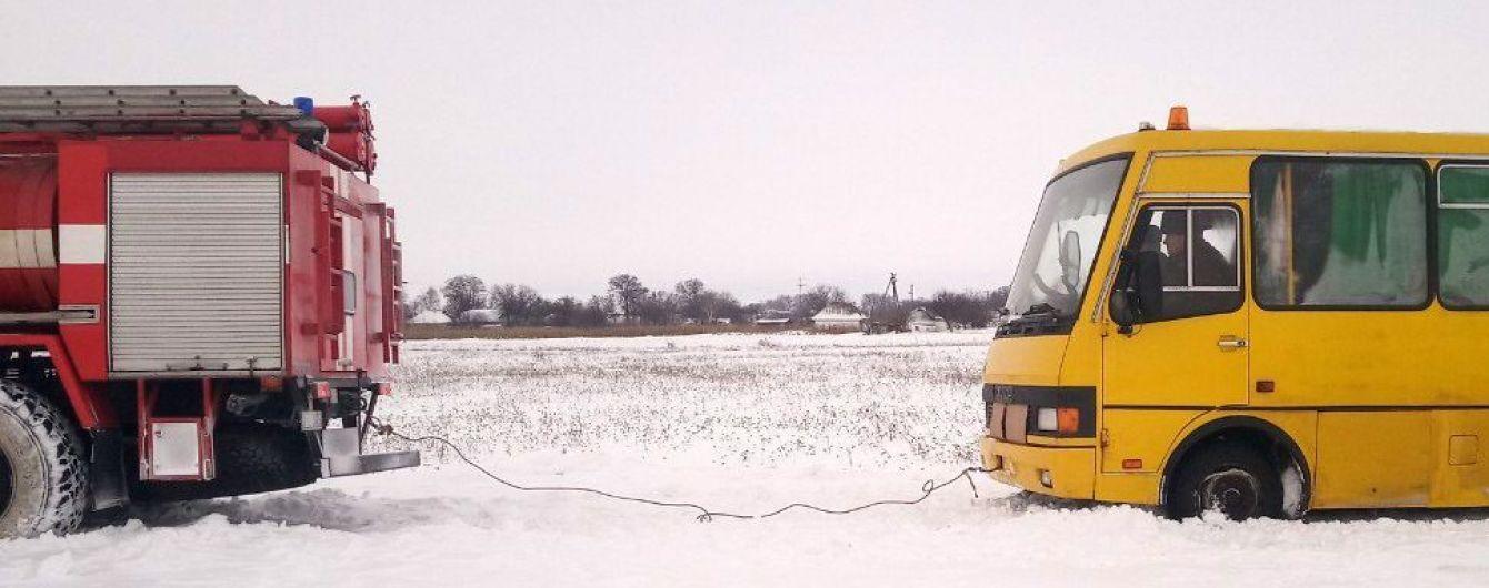 Из-за снегопада на Виннитчине отменяют междугородние рейсы