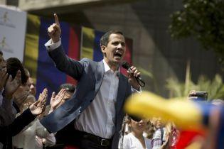 """""""90% военных против Мадуро"""". Генерал ВВС Венесуэлы признал оппозиционера Гуайдо главой страны"""